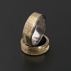 Andrzej Bielak, PL   Set of wedding rings with fingerprints of the bride and groom