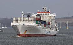 Een gehuurde koelcontainer is misschien goedkoper dan je denkt Boat, Dinghy, Boats, Ship