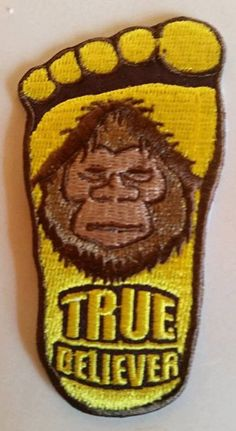 Art by Robroy Menzies by BigfootCommunity on Etsy Bigfoot Sasquatch, Bigfoot Pics, Bigfoot Birthday, Finding Bigfoot, Bigfoot Sightings, Cryptozoology, Ufo Sighting, Patches, Earth Spirit