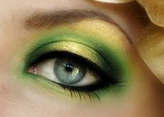 How to Do Smokey Eye Makeup for Green Eyes