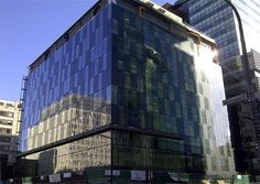 Unitized curtain wall system, 490x348 in 53.7KB