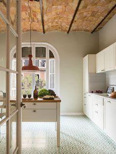 Interioristas Decoradores Barcelona | The Room Studio Beautiful Kitchen Designs, Beautiful Kitchens, Beautiful Interiors, Kitchen Interior, Kitchen Decor, Kitchen Ideas, Architecture Renovation, Deco Design, Cuisines Design
