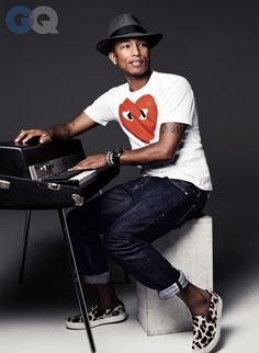 "GQ Names Pharrell Williams ""Hitmaker of the Year 2013″"