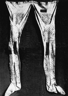 Hose worn below armor in 14-15th century, Bayrische National Museum, Munchen. Photo - bildindex.de