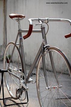 F5Pista Raw: Trevor   This ride was built up for Trevor with…   Flickr