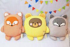 Купить или заказать Подушка-игрушка 'Обнимашка' Лиса, Волк, Медведь. в интернет-магазине на Ярмарке Мастеров. Подушка-игрушка 'Обнимашка' Лиса, Волк, Медведь. Выполнена из Американского хлопка, наполнитель холлофайбер. Отлично дополнит интерьер детской комнаты или просто будет любимой игрушкой. Размер подушки: высота 40 см, ширина 35 см. цена указана за одну подушку цена за набор из трех подушек - 2850 р ****** Точное повторение работы НЕВОЗМОЖНО, каждая игрушка, подушка инди...