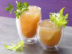 Pikanter Gemüse-Drink mit Petersilie