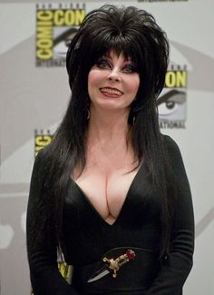 Cassandra Peterson was Elvira, big busted Mistress of the Dark; now she is just a regular old woman. She is one of the original female actresses that took Cassandra Peterson, Goth Beauty, Dark Beauty, Beautiful Celebrities, Beautiful Actresses, Elvira Movies, Broly Ssj3, Pin Up, Sexy Older Women