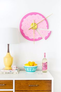 diy wall clocks 134404370116246921 - DIY Wall Art Ideas for Teens – DIY Sliced Cake Wall Clock – Teen Boy and Girl Bedroom Wall Decor Ideas – Cheap Canvas Paintings and Wall Hangings For Room Decoration Source by adorments Art Ideas For Teens, Diy For Teens, Teen Room Decor, Diy Room Decor, Wall Decor, Room Decorations, Home Decor, Mur Diy, Diy Clock