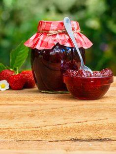 Švestková marmeláda s rumem a skořicí: zkuste letos švestkový džem Agar, Rum, Canning, Food, Chemistry, Essen, Meals, Rome, Home Canning