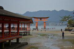 Itsukushima helligdommen, Miyajima øen, Japan Miyajima, Hiroshima, Gazebo, Oriental, Outdoor Structures, Cabin, House Styles, Google, Home