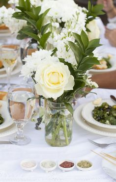 Diner en Blanc Table and Flower Ideas   The Rose Table