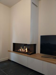 Hottest Free Fireplace Remodel with tv Popular Gashaard met tv meubel hout blad Corner Gas Fireplace, Home Fireplace, Fireplace Remodel, Modern Fireplace, Living Room With Fireplace, Fireplace Design, Winter Living Room, New Living Room, Home And Living