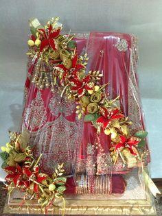 38 Ideas Bridal Gifts Diy Unique Weddings For 2019 Indian Wedding Gifts, Desi Wedding Decor, Indian Wedding Decorations, Wedding Themes, Wedding Gift Baskets, Wedding Gift Wrapping, Diy Wedding Bouquet, Diy Bouquet, Wedding Dress