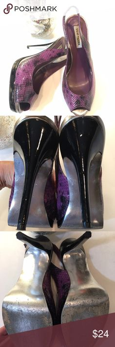 "Steve Madden Peep Toe Slingback Heels Sexy and fun heels. You can dress up or wear with a pair of skinny jeans. Good condition. 4 1/2"" heels.   🚫 No Trades 💯% Authentic  💵 Offers welcome 💰Bundled discount 📦 Ships in 1-2 days Steve Madden Shoes Heels"