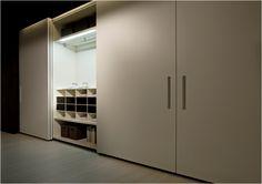 Armarios Lema, puerta corredera coplanar. Muebles de diseño.