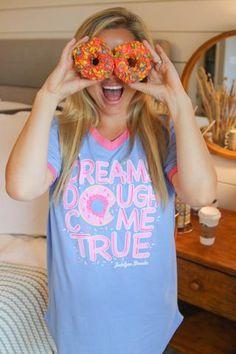 dreams dough come true || snuggle up sleep shirt || www.jadelynnbrooke.com