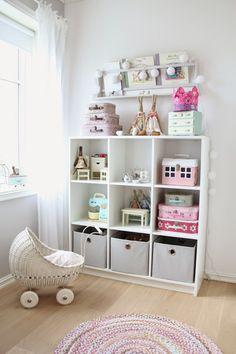 sweet chili: barnerom... Pastel Living Room, Cute Living Room, Pastel Room, Pastel Blue, Pastel Colors, Room Color Schemes, Room Colors, Blue Bedroom, Girls Bedroom