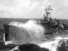 """USS John Hood in heavy seas 1962 - Search results for """"USS John Hood """" - Wikimedia Commons Gulf Of Tonkin Incident, Tin Can Sailors, Fletcher Class Destroyer, Storm Photography, Us Navy Ships, Military Photos, United States Navy, Military Army, Submarines"""