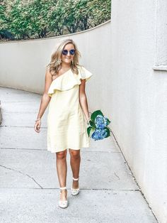 Fashionable preppy spring style via Sloane Ranger Ruffle Sleeve Dress, Dress Skirt, Spring Fashion, Prep Fashion, Fashion Trends, Spring Outfits, Spring Ootd, Prep Style, Elegant Chic