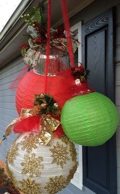 Christmas Garden Decorations, Christmas Yard, Christmas Holidays, Christmas Wreaths, Christmas Ornaments, Grinch, Holiday Crafts, Winter, Projects
