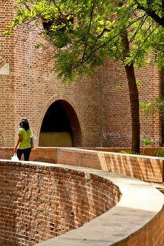 Red Brick - Indian Institute of Management (IIM) - Louis Kahn