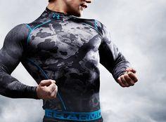 2011년 조현준 효성 사장이 국내에 론칭한 미국 스포츠 의류브랜드 언더 아머가 소비자들의 입소문을 타며 높은 성장세를 보이고 있다. 해외 의류브랜드가 광고 Batman, Superhero, Fictional Characters, Fashion, Moda, Fashion Styles, Fantasy Characters, Fashion Illustrations
