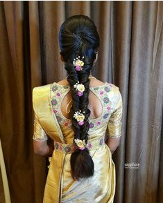Indian Hairstyles For Saree, South Indian Wedding Hairstyles, Bridal Hairstyle Indian Wedding, Saree Hairstyles, Bridal Hair Buns, Bridal Hairdo, Hairdo Wedding, Long Hair Wedding Styles, Braided Hairstyles For Wedding