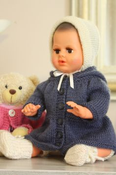 Girl Dolls, Baby Dolls, Tricot Baby, Baby Born Clothes, Barbie, Knitted Dolls, Baby Knitting, Doll Clothes, Knitting Patterns