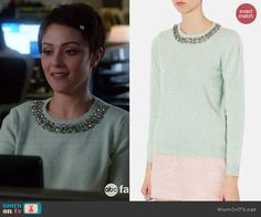April's mint green embellished neckline sweater on Chasing Life.  Outfit Details: http://wornontv.net/46003/ #ChasingLife