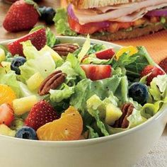 Best Fast Food #Salads http://www.ranker.com/list/best-fast-food-salads/chef-jen