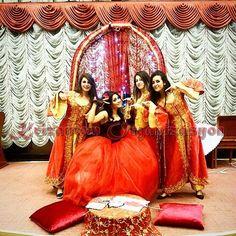 Krizantem Davet 2002 yılından bu güne, Kına gecesi organizasyonu, düğün, davet ve benzer tüm organizasyonlarda profesyonel hizmet vermektedir. http://krizantemdavet.com/