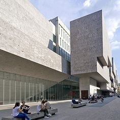 ARCHITECTURE // Bocconi University, Grafton Architects, 2011. Milano.