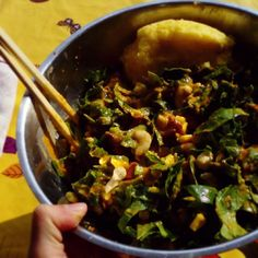 Sweet lunch of mine! Spinach,  corn,  cashews,  sundried tomatoes and polenta with pineapple-redpepper-avocado sauce *.* #lunch #801010 #rawtill4 #rawvegan #vegan #veganfoodshare #vegansofig #corn #vegetarian #polenta #saladdressing #foodporn #cleaneating #foodaddict #rainbowsalad