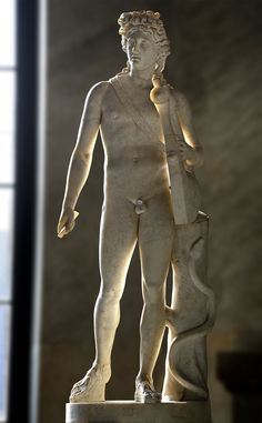 Apollo. Marble. Roman copy (117—130 CE) from a Greek original (4th century BCE). Inv. No. 2353. Rome, Vatican Museums, Pius-Clementine Museum, Room of the Biga, 13. (Photo by I. Sh.).