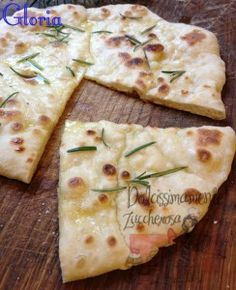 Focaccia ricetta semplice cottura in padella I Love Food, Good Food, Focaccia Pizza, Bread Recipes, Cooking Recipes, Breakfast Desayunos, Italy Food, International Recipes, Finger Foods