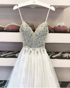 Very long class dance dresses and prolonged formal dresses for dances and balls. Hoco Dresses, Dance Dresses, Pretty Dresses, Homecoming Dresses, Beautiful Dresses, Formal Dresses, Dresses 2016, Beautiful Dream, Bridal Dresses
