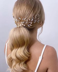 Luz de luna - hip&love Ponytail, Bobby Pins, Hair Accessories, Waves, Hairstyle, Beauty, Wave, Feather Headdress, Groom Style