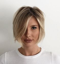 Chin-Length Messy Asymmetrical Bob An updated take on the asymmetrical bob is this messy textured look with an uneven off-center part. Chin length locks ensure your look is feminine and flirty but still low maintenance! Bob Haircut For Fine Hair, Haircuts For Thin Fine Hair, Bobs For Thin Hair, Short Hair Cuts, Thick Hair, Hair Bobs, Curly Short, Straight Hair, Short Bob Thin Hair
