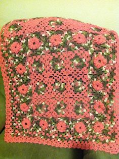 Treasures Made From Yarn: Pink Granny Square Blanket