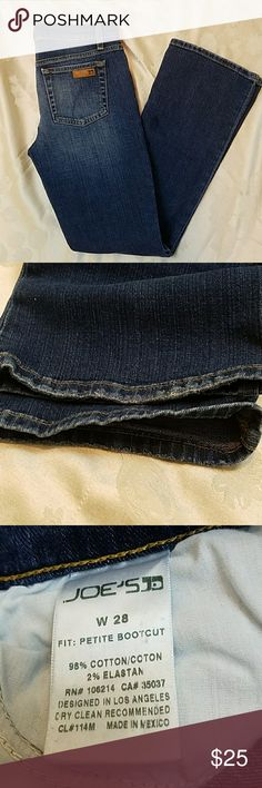 Joes petite fit bootcut jeans Excellent used condition. There are no stains, tears or fraying at the ankle on these jeans inseam measures 30 inches. Joe's Jeans Jeans Boot Cut