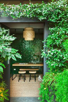 Contemporary Design in the Green House by Costanza - Lofts for Rent in Milano, Lombardia, Italy Outdoor Rooms, Outdoor Gardens, Outdoor Living, Outdoor Decor, Terrazzo, Garden Tiles, Lofts For Rent, Small Garden Design, Garden Inspiration