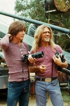 "DAVID CASSIDY (with photographer Henry Diltz on the set of ""The Partridge Family"" in 1971)"