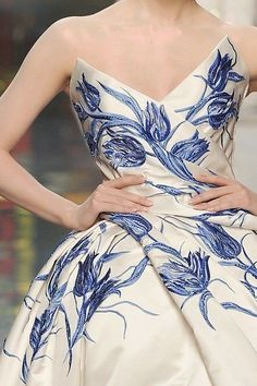 Gorgeous navy on cream...Dior