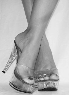 #footfetish #foot #feet #toes  https://www.pinterest.com/gmtx1/the-art-of-feet/