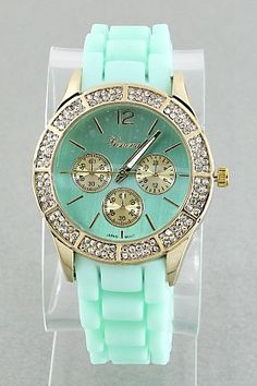 Important Date Watch in Mint Measurements: 10 inches Materials: silicone, crystal Price: $24.99