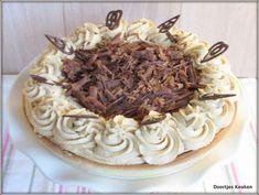 Mokkavlaai Dutch Recipes, Baking Recipes, Dessert Recipes, Snacks, Christmas Treats, How To Make Cake, Creme, Bakery, Deserts