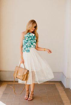 palm leaf print top and Tibi eyelet midi skirt Australian Clothing, Australian Fashion, Tropical Dress, Diva Fashion, Looks Style, Fashion Books, Mode Inspiration, Leaf Prints, Playing Dress Up