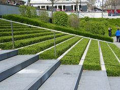 Modern landscape steps with grass Landscape Stairs, Green Landscape, Landscape Plans, Landscape Designs, Green Architecture, Landscape Architecture, Modern Landscaping, Garden Landscaping, Exterior Stairs
