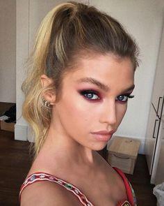 La mise en beauté de Stella Maxwell sur Instagram